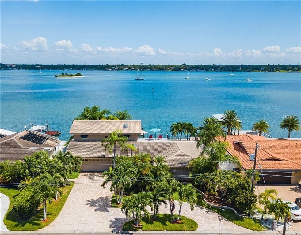 315 Windward Is, Clearwater Beach, FL 33767
