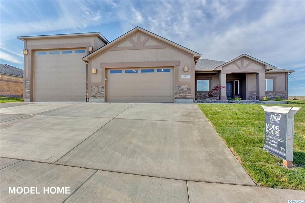 6801 Cyprus Loop, West Richland, WA 99353
