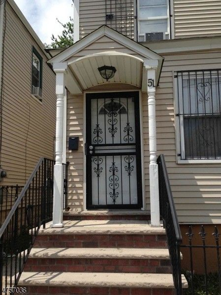 51 Dewey St, Newark, NJ 07112