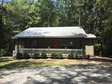 156 Agnes Trl, Defuniak Springs, FL 32435