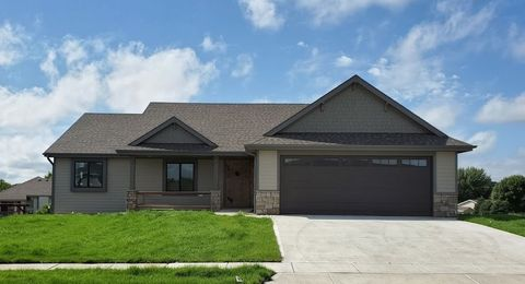 Photo of 2907 Wedgewood Dr, Yankton, SD 57078