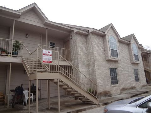 Photo of 1206 International Blvd Apt 19, Laredo, TX 78045
