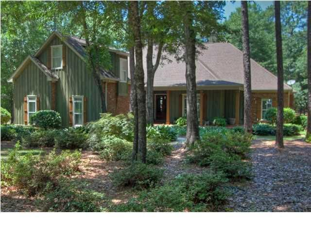 144 Willow Lake Dr, Fairhope, AL 36532