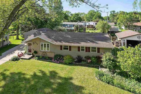 Photo of 2415 Pecan St, Green Bay, WI 54311