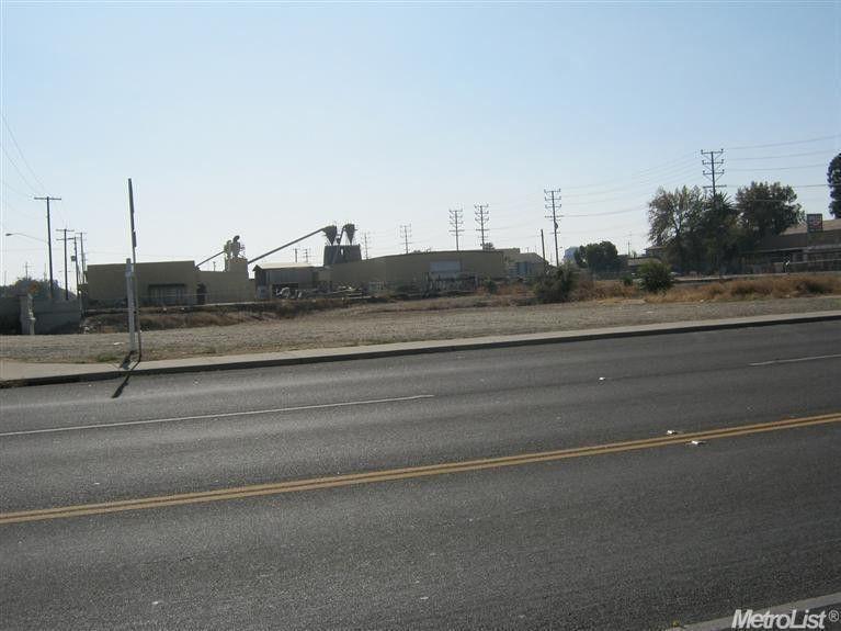 302 E Hazelton Ave Stockton, CA 95203