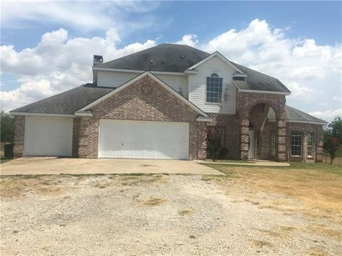 Photo of 345 Feaster Rd, Avalon, TX 76623