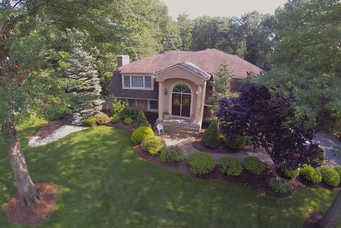 Photo of 62 Foremost Mtn Rd, Montville Township, NJ 07045