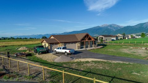 Photo of 481 Foxtail Ln, Stevensville, MT 59870