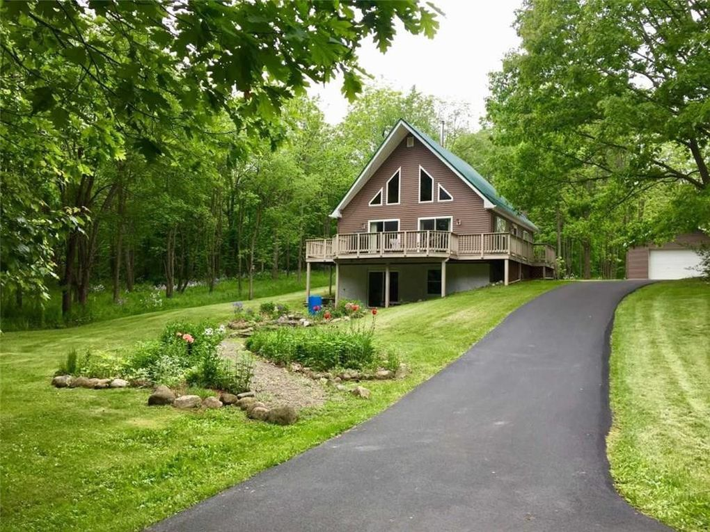 8790 Strong Hill Rd Naples, NY 14512