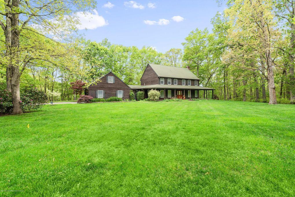 2 Sawmill Pond Rd, Millstone, NJ 08510