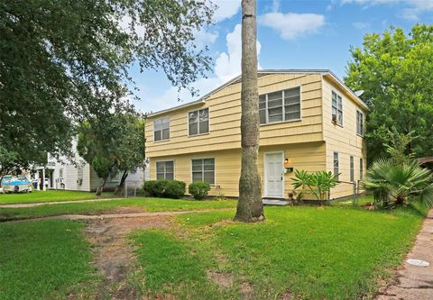 Photo of 1230 6th Ave, Texas City, TX 77590