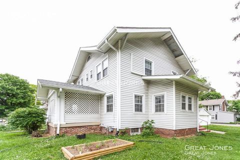 Photo of 4002 Winthrop Ave Unit 2, Indianapolis, IN 46205