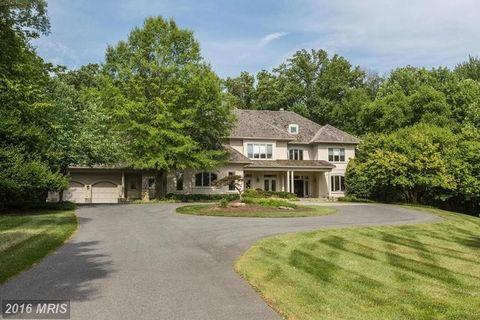 9719 Avenel Farm Dr, Potomac, MD 20854