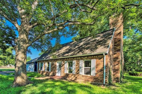 Photo of 605 Fort Bend Dr, Simonton, TX 77485