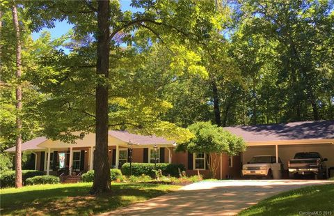 Photo of 227 Roberts Ave, York, SC 29745