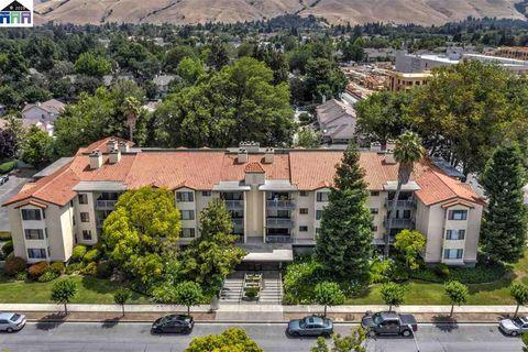 Stanford, CA Condos & Townhomes for Sale - realtor com®