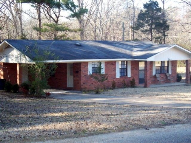 703 Airways Dr, Water Valley, MS 38965 - realtor.com®