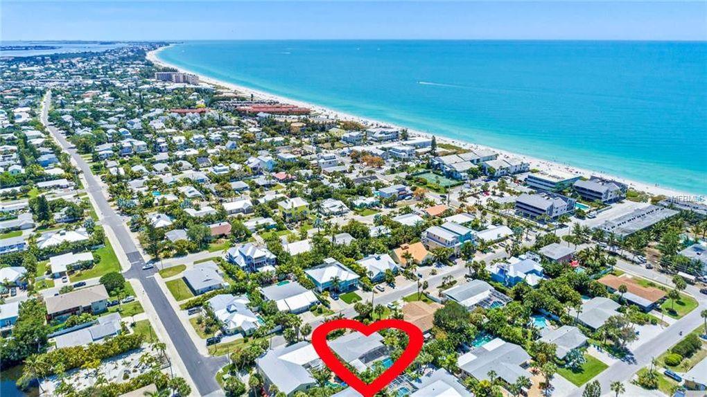 214 69th St, Holmes Beach, FL 34217