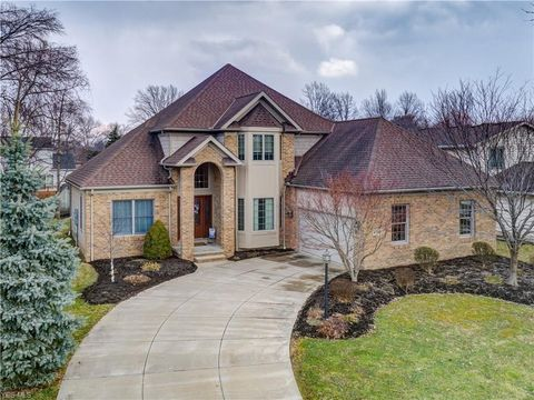Photo of 6759 Canterbury Dr, Middleburg Heights, OH 44130