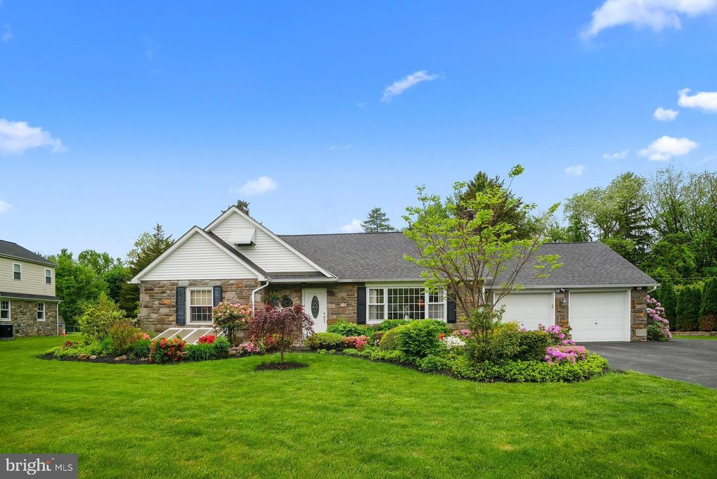 118 Tyson Rd, Newtown Square, PA 19073
