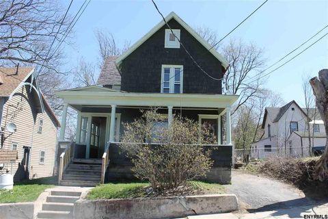 29 Addison St, Gloversville, NY 12078