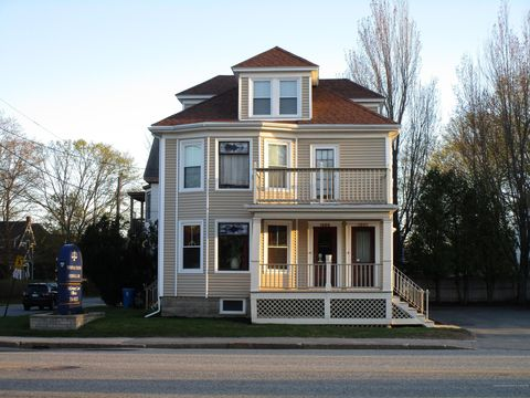 Photo of 1266 Congress St, Portland, ME 04102