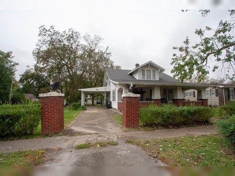 306 S Division St, Norris City, IL 62869