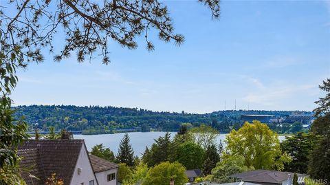 Photo of 3826 46th Ave Ne, Seattle, WA 98105