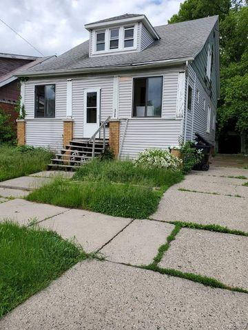 Photo of 5750 Lakewood St, Detroit, MI 48213