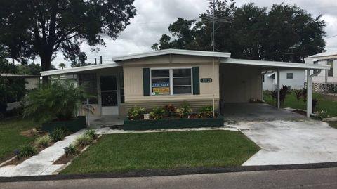 Photo of 39628 Persimmon Ave, Zephyrhills, FL 33542