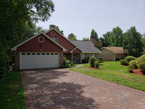 Photo of 818 St Joseph Cv, Niceville, FL 32578