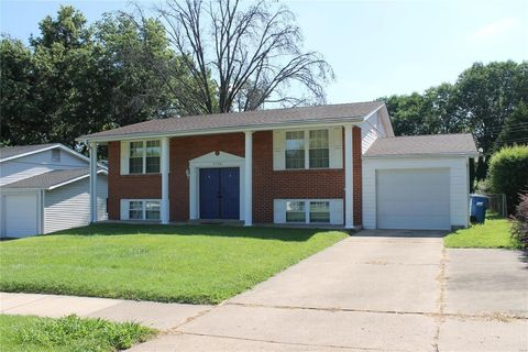 Photo of 2308 Wesford Dr, Maryland Heights, MO 63043