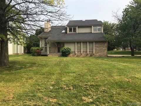 34516 Princeton St, Farmington Hills, MI 48331