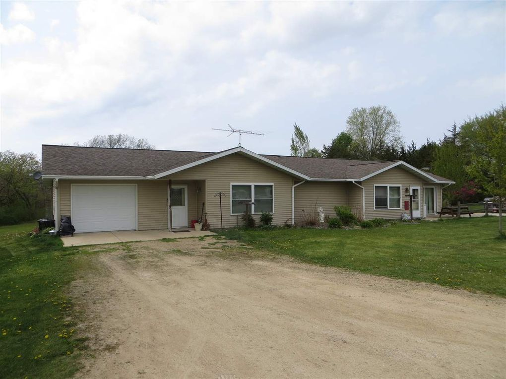 N2107 Units 1 2 And N2109 Highway 22 Montello Wi 53949