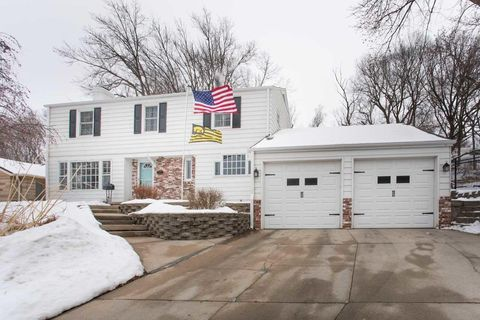 Photo of 379 Kenmore Ave, Council Bluffs, IA 51503