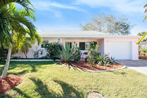 145 S Rosiland Ct, Merritt Island, FL 32952