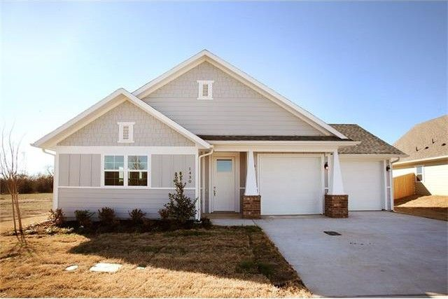 1430 Blue Bonnett Blvd, Gainesville, TX 76240