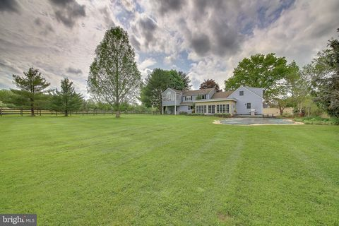 Photo of 395 Hollow Horn Rd, Pipersville, PA 18947