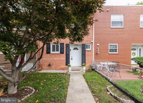 Photo of 1003 Colonial Ave, Alexandria, VA 22314