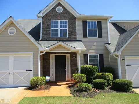 Photo of 5055 Village Run Dr, McDonough, GA 30252