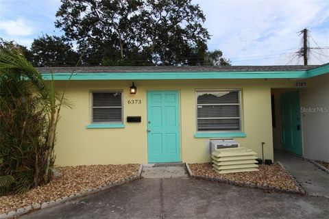 Photo of 6373 Gateway Ave, Sarasota, FL 34231