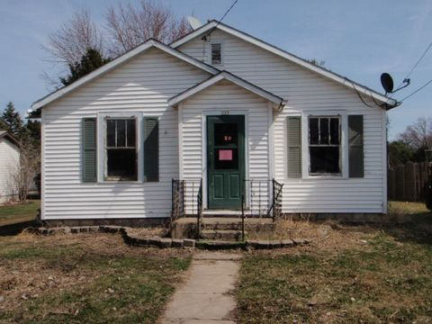 Photo of 325 N Main St, Earlville, IL 60518