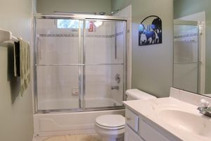 6911 Cozaddale Rd, Goshen Township, OH 45122 - Bathroom