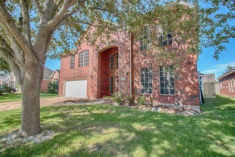 Photo of 203 Green Cedar Dr, League City, TX 77573