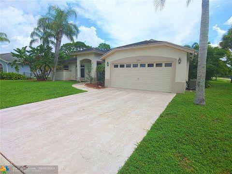 100 Saratoga Blvd W, Royal Palm Beach, FL 33411