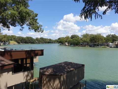 Photo of 742 Lakeview Trl, McQueeney, TX 78123