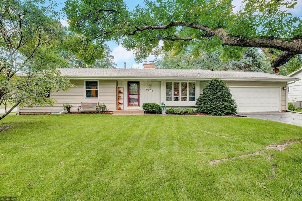 9701 Russell Ave S Bloomington Mn 55431 Realtor Com