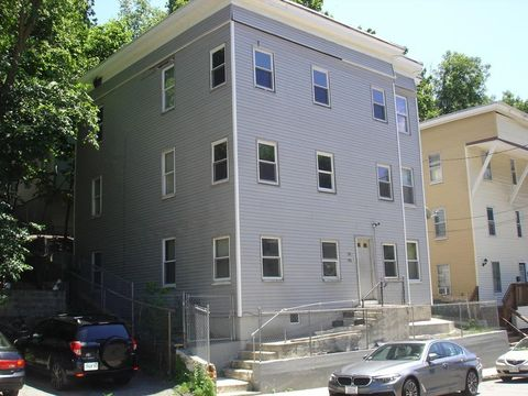Photo of 318 Elm St Unit 1, Fitchburg, MA 01420
