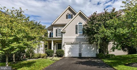 Photo of 42436 Moreland Point Ct, Ashburn, VA 20148