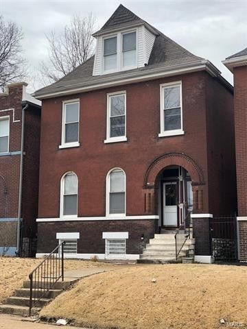 2146 Allen Ave, Saint Louis, MO 63104